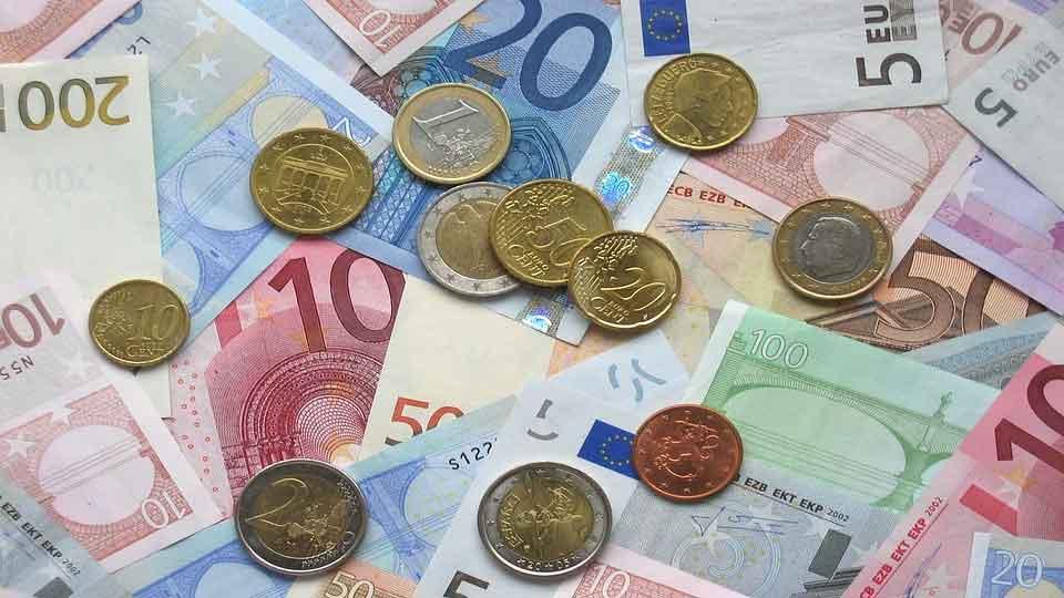 Euromünzen und Euroschein